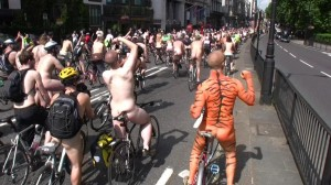 20090613_wnbr_WorldNakedBikeRide_london_002
