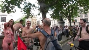 20090613_wnbr_WorldNakedBikeRide_london_006