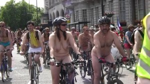 20090613_wnbr_WorldNakedBikeRide_london_010