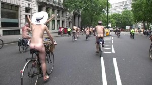 20090613_wnbr_WorldNakedBikeRide_london_029