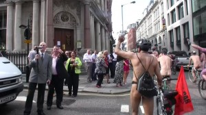 20090613_wnbr_WorldNakedBikeRide_london_032