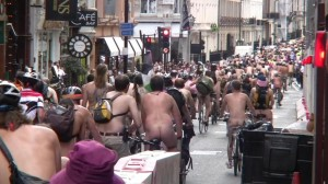 20090613_wnbr_WorldNakedBikeRide_london_044