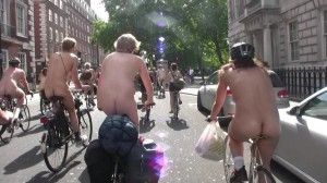20090613_wnbr_WorldNakedBikeRide_london_046