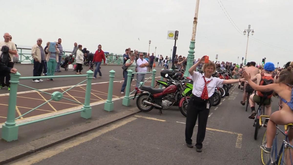 2012 06 23 WNBR (World Naked Bike Ride) : La cyclonue